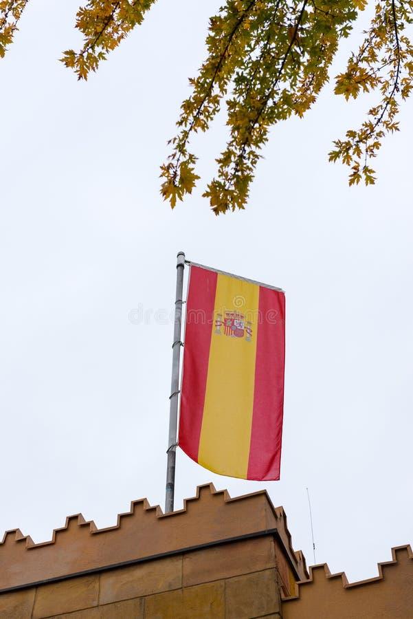 Bandera española llameante fotografía de archivo libre de regalías