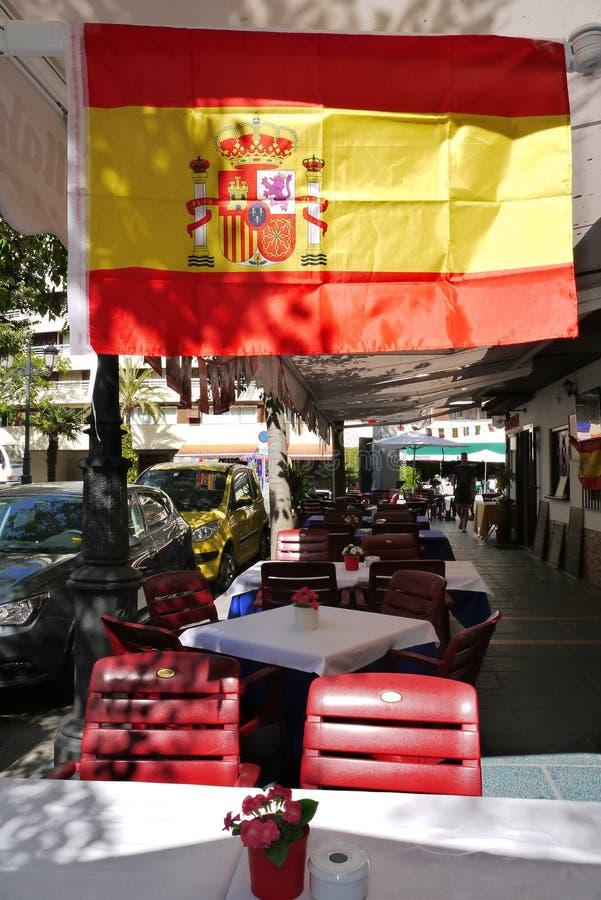 Bandera española que adorna un restaurante fotografía de archivo libre de regalías