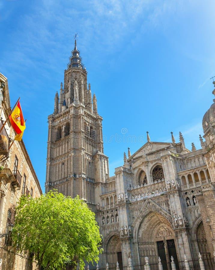 Bandera española Toledo Spain de la catedral foto de archivo libre de regalías