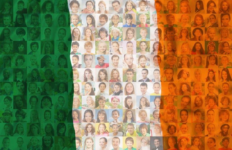 Bandera irlandesa con los retratos de la gente de Irlanda foto de archivo