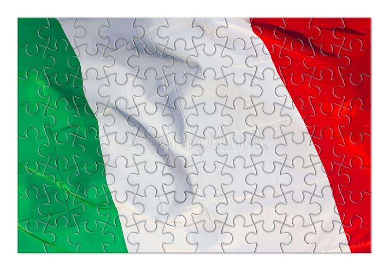 Bandera italiana verde, blanca y roja - imagen del concepto en forma del rompecabezas imagen de archivo libre de regalías