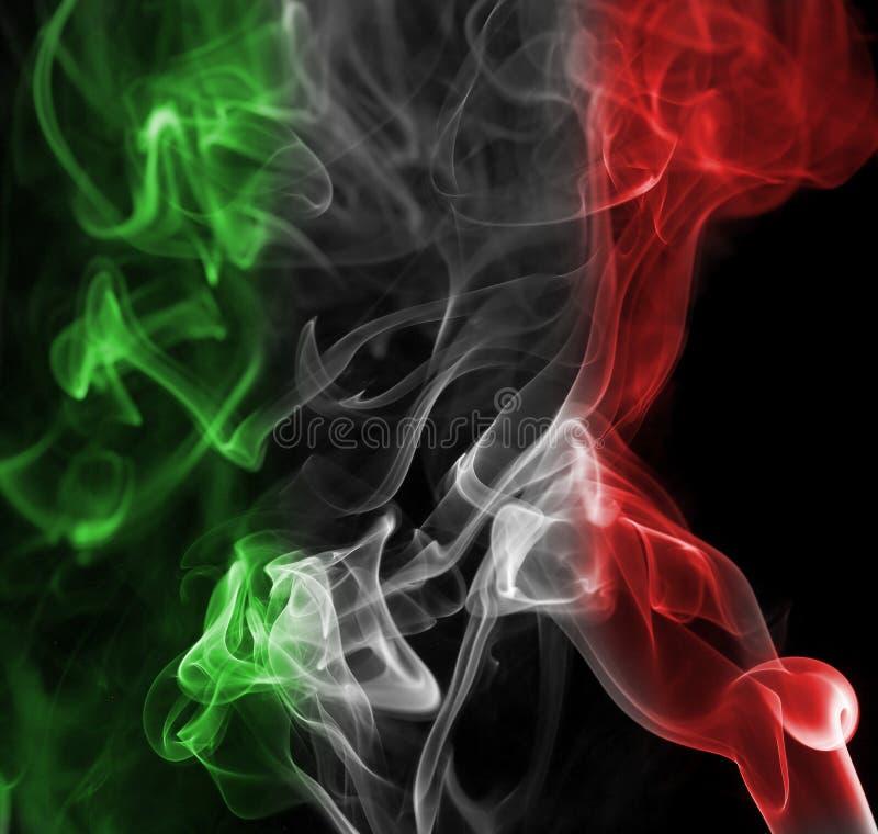 Bandera nacional del humo de Italia foto de archivo libre de regalías