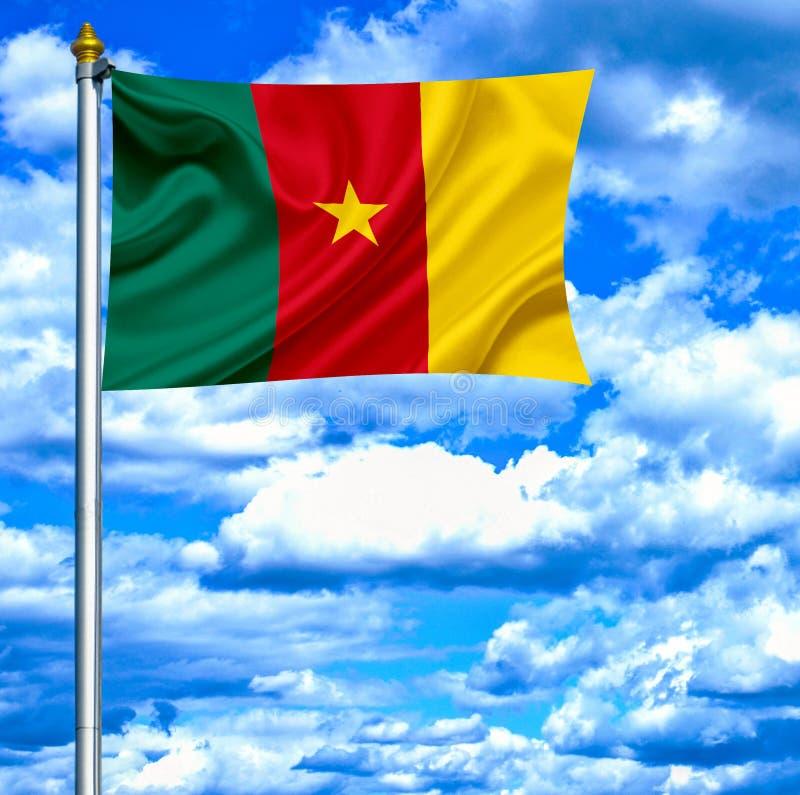 Bandera que agita del Camerún contra el cielo azul imagen de archivo libre de regalías