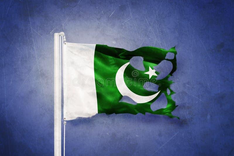 Bandera rasgada del vuelo de Paquistán contra fondo del grunge ilustración del vector