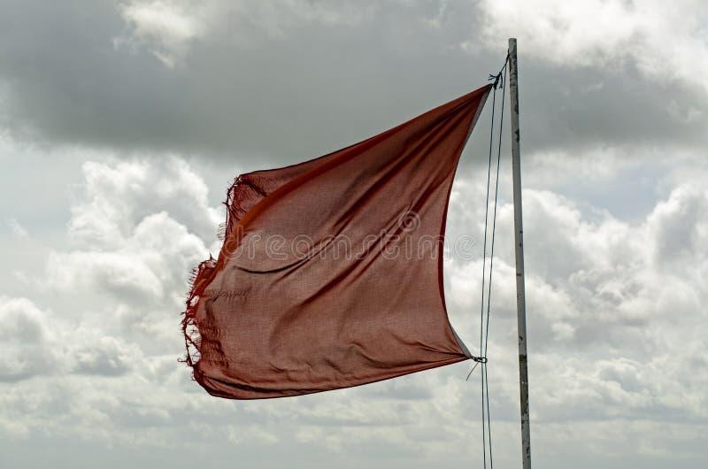 Bandera roja en la llanura de Salisbury, Wiltshire fotografía de archivo libre de regalías