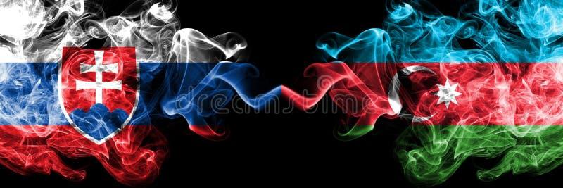 Banderas ahumadas coloridas gruesas de la competencia de Eslovaquia, eslovaca, Azerbaijan Juegos europeos de las calificaciones d fotos de archivo
