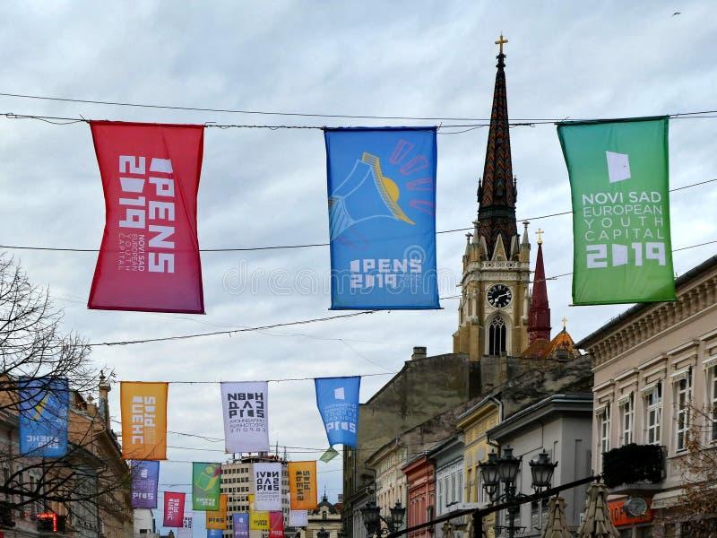 Banderas coloridas para la capital europea de la juventud de Novi Sad de la celebración para 2019 imágenes de archivo libres de regalías