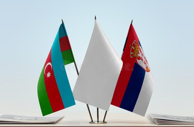 Banderas de Azerbaijan y de Serbia fotos de archivo libres de regalías