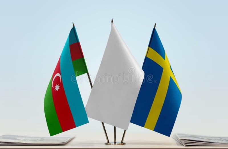 Banderas de Azerbaijan y de Suecia foto de archivo