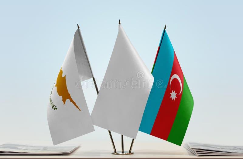 Banderas de Chipre y de Azerbaijan fotos de archivo
