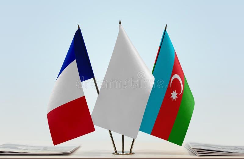 Banderas de Francia y de Azerbaijan imagenes de archivo