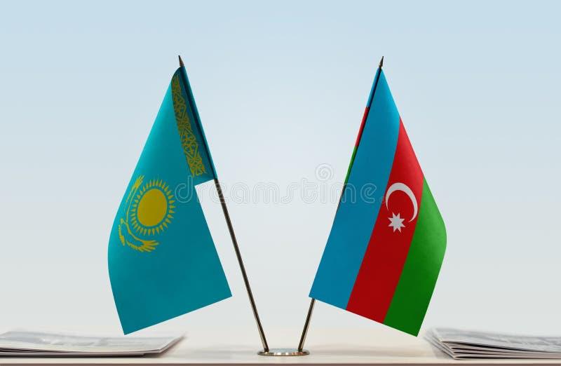 Banderas de Kazajistán y de Azerbaijan foto de archivo libre de regalías