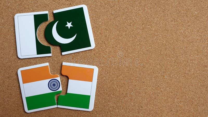 Banderas de la India y de Paquistán fotografía de archivo libre de regalías