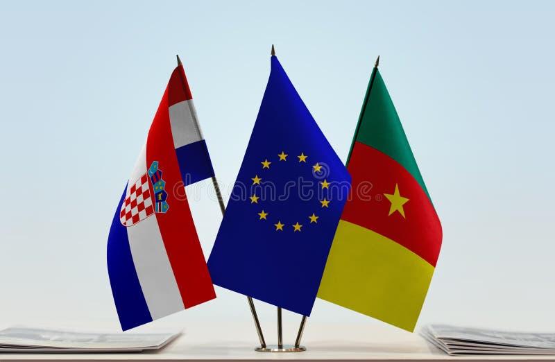 Banderas de la UE de Croacia y del Camerún foto de archivo