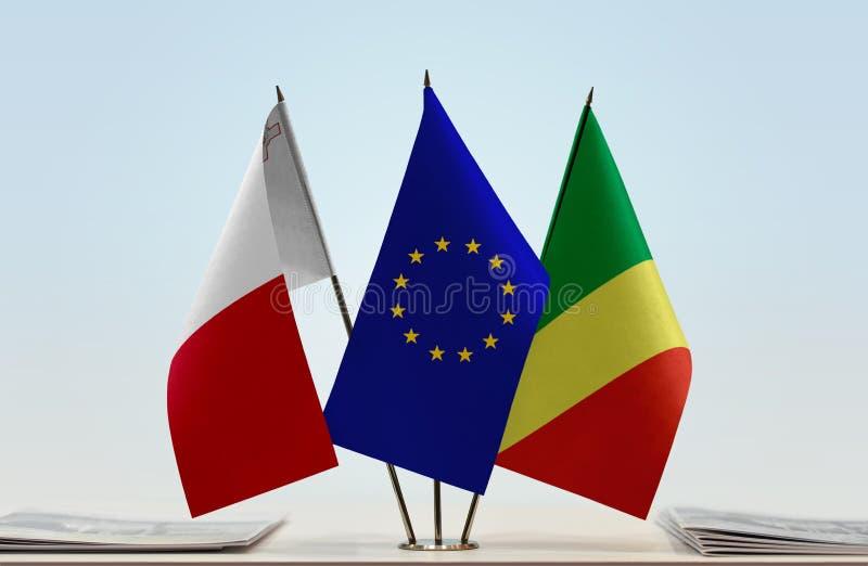 Banderas de la UE de Malta y del República del Congo fotografía de archivo