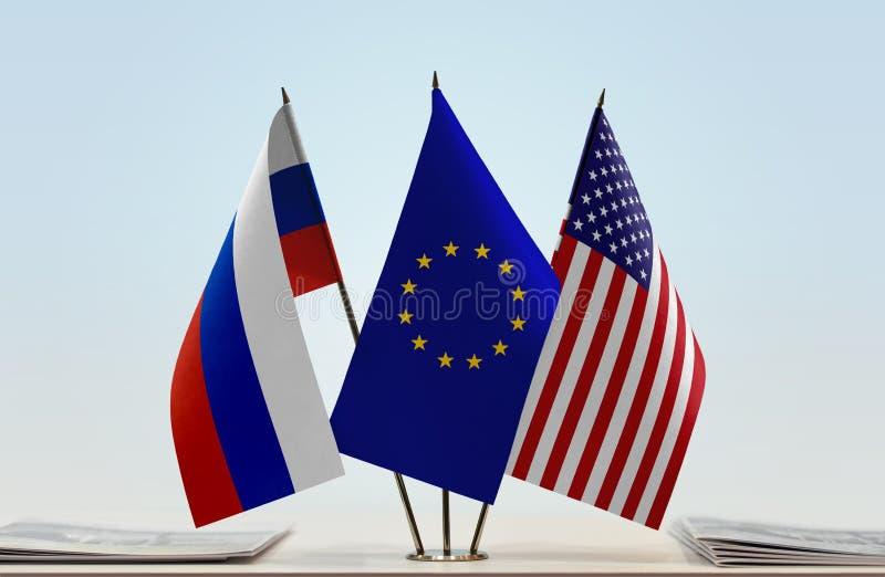 Banderas de la UE y de los E.E.U.U. de Rusia fotografía de archivo libre de regalías