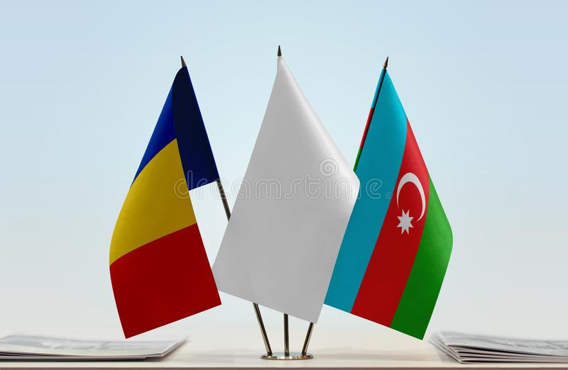 Banderas de Rumania y de Azerbaijan fotos de archivo