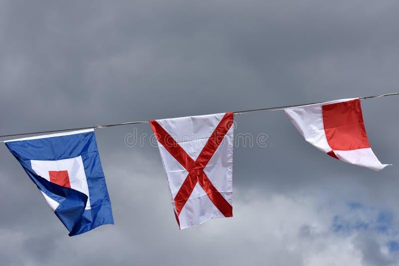 Banderas de señal marítimas internacionales imagen de archivo libre de regalías