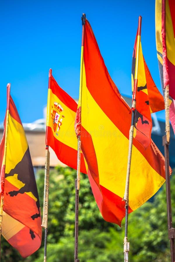 Banderas oficiales nacionales españolas Símbolo patriótico fotografía de archivo