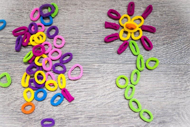 Bandes élastiques de cheveux de bandeaux - fleur photos libres de droits