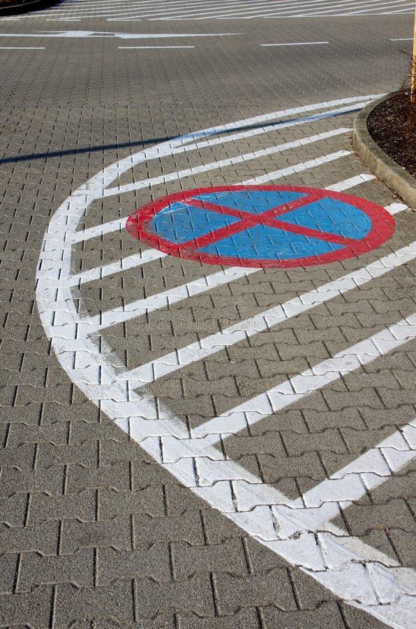bandes horizontales de route d'inscription de flèches photos libres de droits
