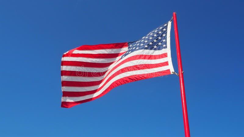 Bandiera americana di volo fotografia stock libera da diritti