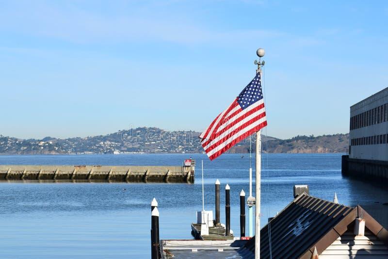 Bandiera americana in San Franscisco, CA immagine stock libera da diritti