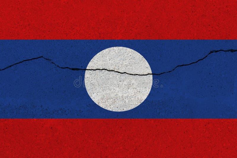 Bandiera del Laos sul muro di cemento con la crepa immagine stock libera da diritti