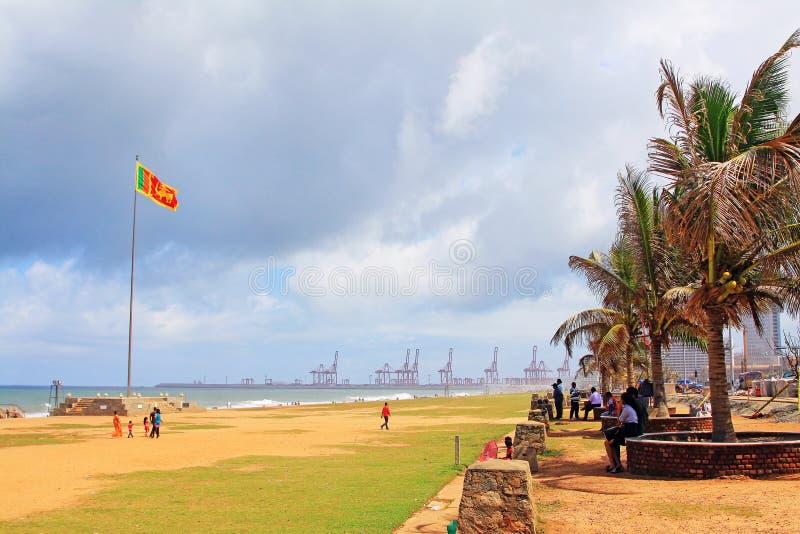 Bandiera dello Sri Lanka ed il porto fotografie stock libere da diritti