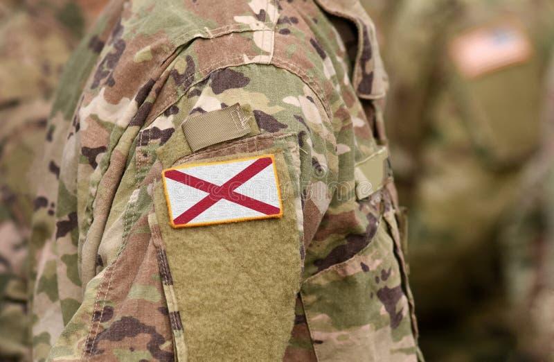 Bandiera dello Stato dell'Alabama sull'uniforme militare Stati Uniti USA, esercito, soldati Collage fotografia stock libera da diritti