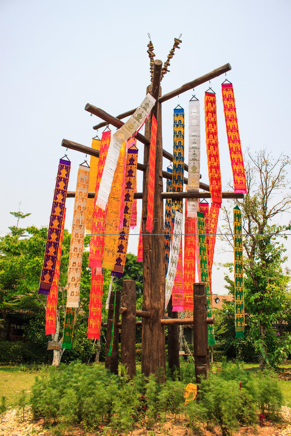 Bandiera di carta in tempio della Tailandia fotografia stock libera da diritti