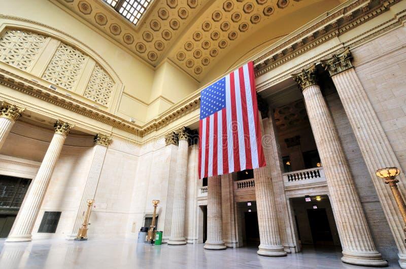 Bandiera di U.S.A. nella stazione del sindacato, Chicago fotografie stock