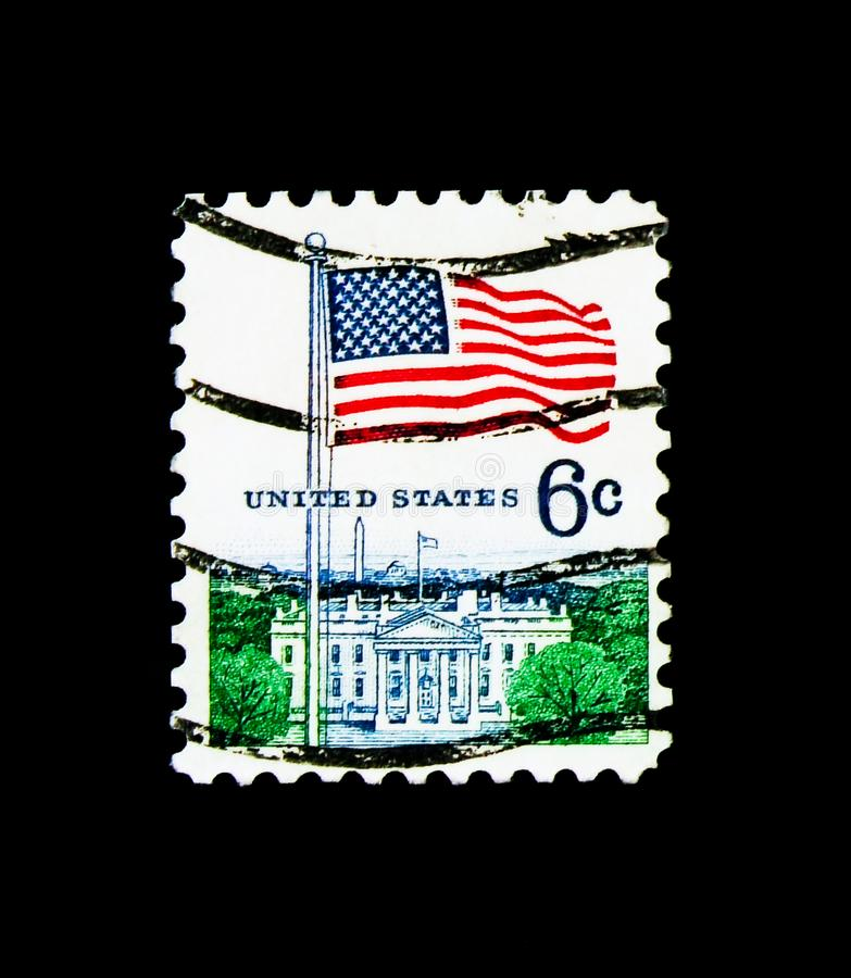 Bandiera e la Casa Bianca, serie dell'edizione della bandiera, circa 1970 fotografia stock