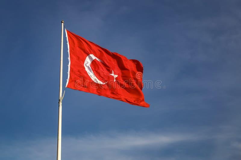 Bandiera rossa e bianca del turco immagini stock