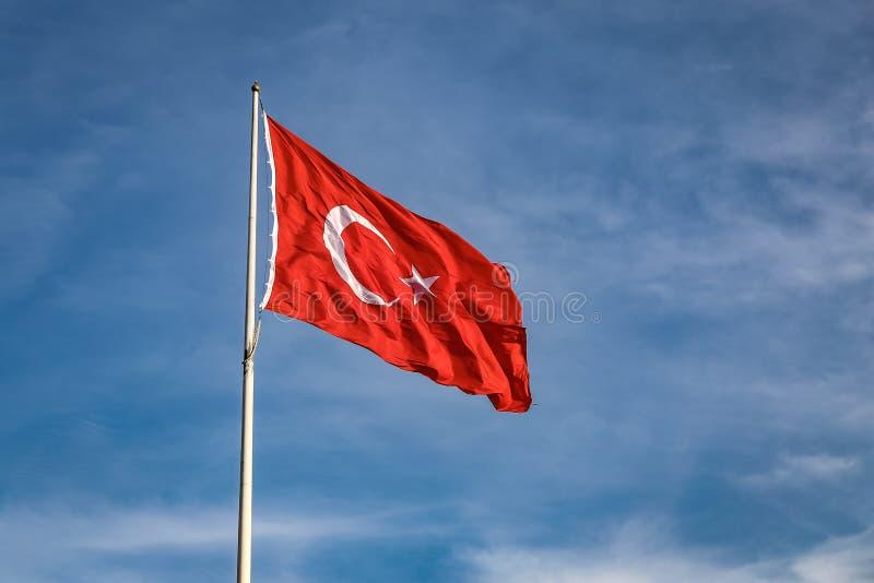 Bandiera rossa e bianca del turco immagine stock