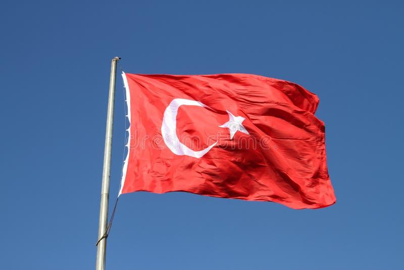 Bandiera rossa e bianca del turco fotografie stock
