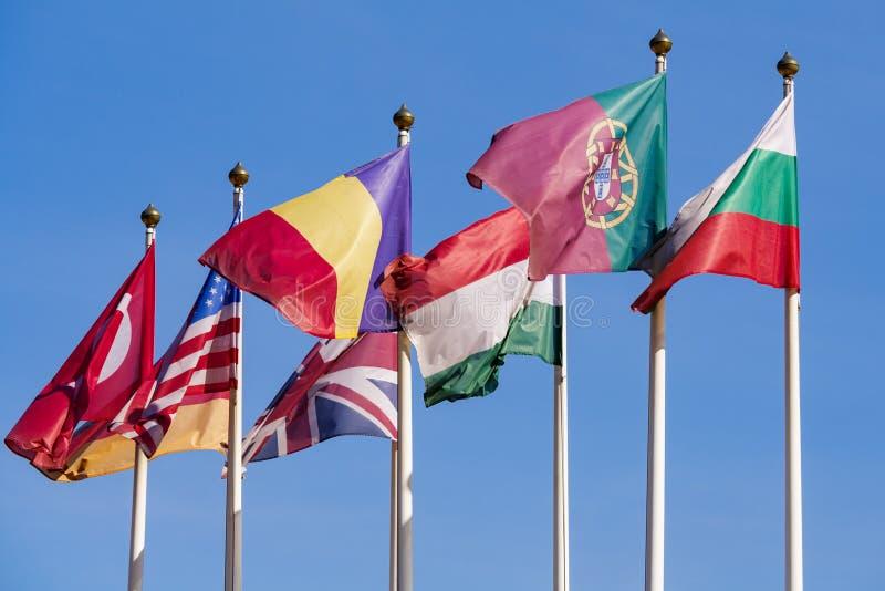 Bandiere dei paesi differenti del mondo immagini stock