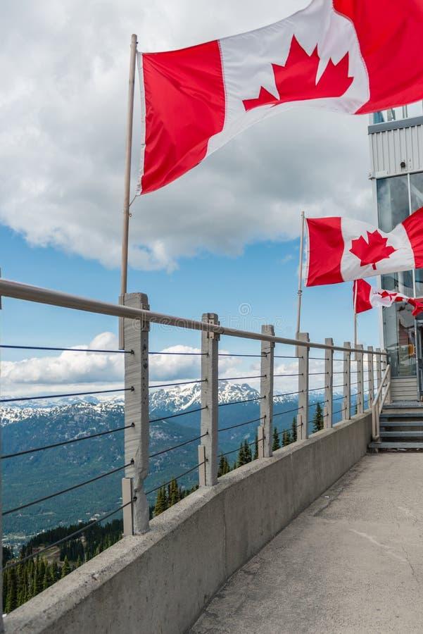 Bandiere del Canada della Columbia Britannica di Whistler fotografia stock libera da diritti