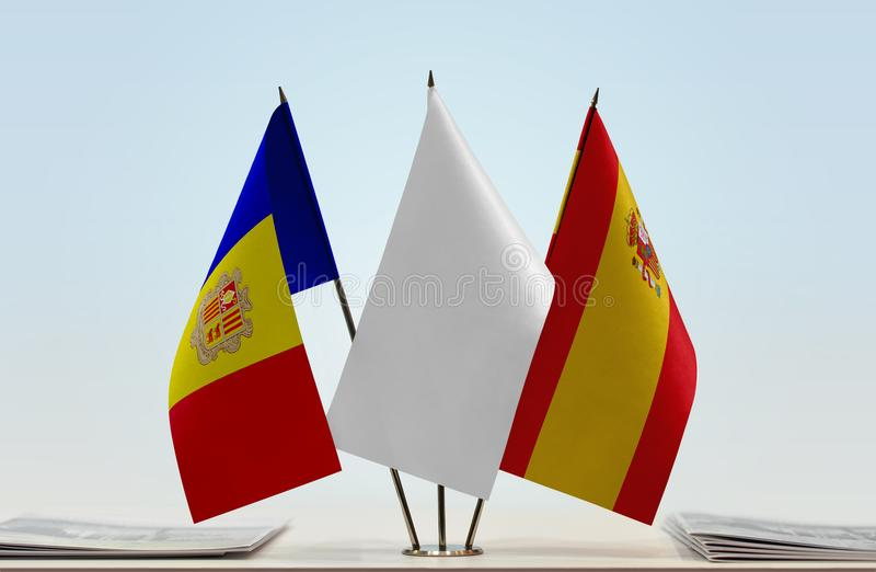 Bandiere dell'Andorra e della Spagna fotografie stock