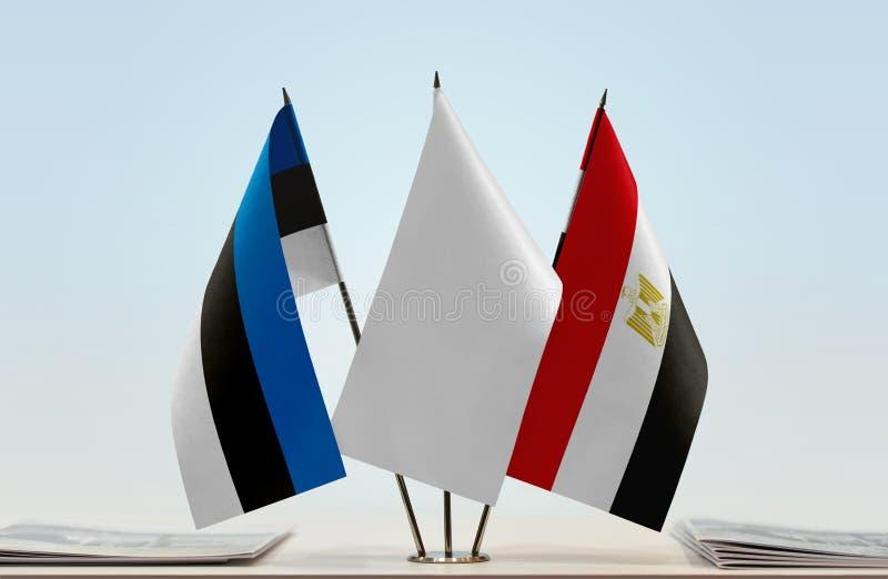 Bandiere dell'Estonia e dell'Egitto immagine stock libera da diritti