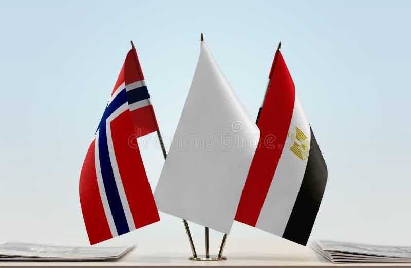 Bandiere della Norvegia e dell'Egitto fotografia stock