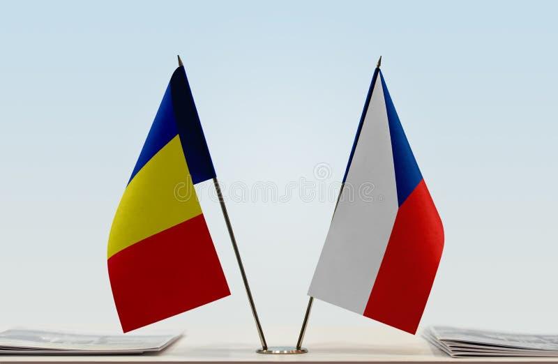 Bandiere della Romania e della repubblica Ceca royalty illustrazione gratis