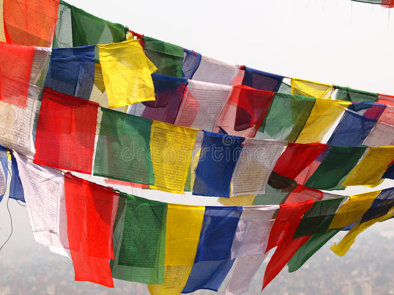 Download Bandiere a Kathmandu fotografia stock. Immagine di rosso - 30826058