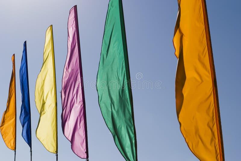 Bandiere nel vento fotografia stock libera da diritti