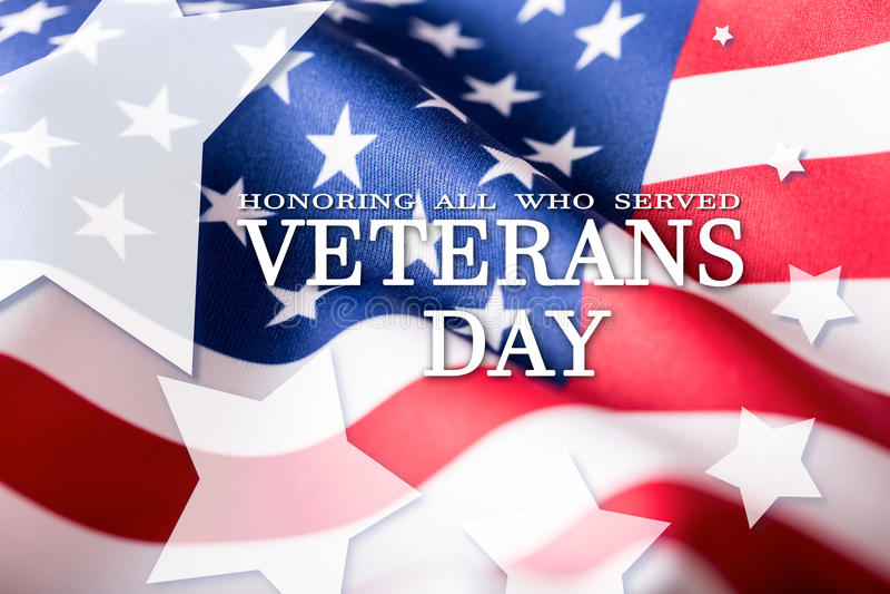 Bandierina degli S Bandiera americana Giorno di veterani Onorando tutti che serviscano Bandiera di U.S.A. su fondo Stelle immagini stock libere da diritti