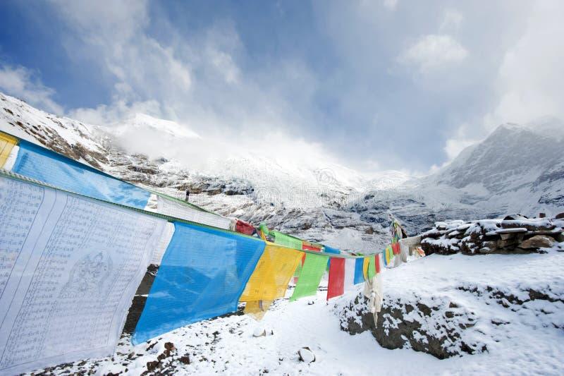 Bandierine buddisti di preghiera fotografie stock libere da diritti