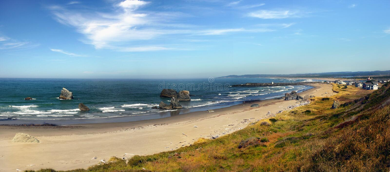 Bandon strand, scenisk Oregon kust royaltyfria bilder