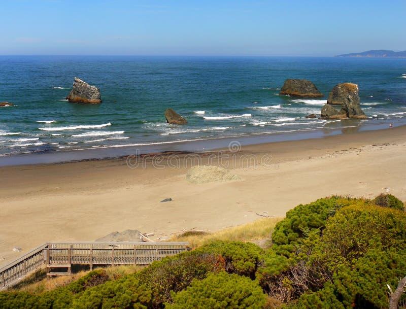Bandon strand, scenisk Oregon kust royaltyfri fotografi