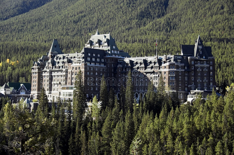 banff旅馆春天 免版税库存图片