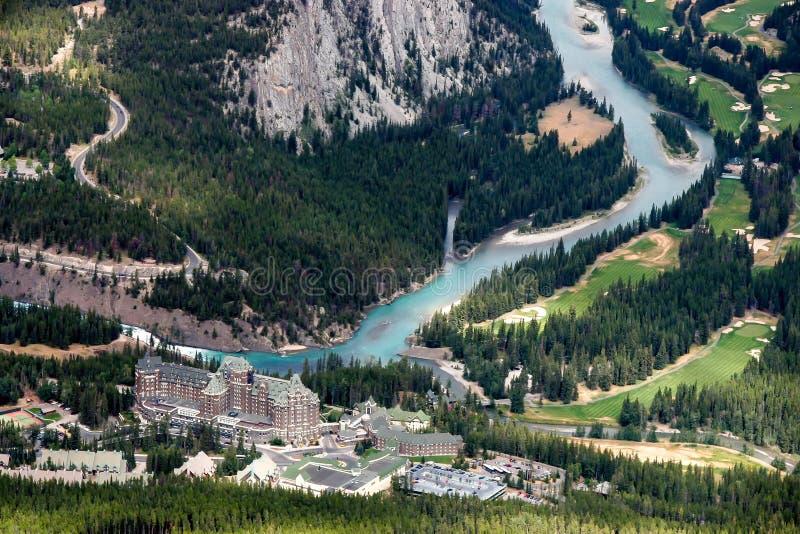 BANFF, ALBERTA/CANADA - 7 DE AGOSTO: El Fairmont Banff Springs Ho imágenes de archivo libres de regalías